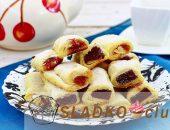Миниатюра к статье Домашнее печенье Минутка с начинкой из повидла в виде рулетиков