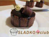 Шоколадное муссовое пирожное