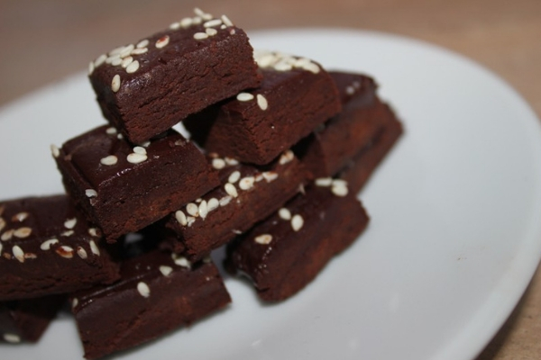 Домашний горький шоколад со стевией