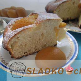 Вкусный пирог из консервированных абрикосов по домашнему рецепту