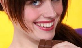 Миниатюра к статье Почему все любят шоколад? Как называется гормон радости, повышающий настроение?