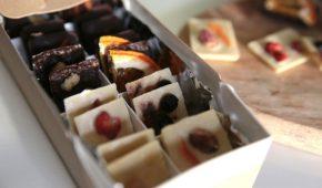 Миниатюра к статье О веганском шоколаде: состав, марки и рецепты домашнего приготовления